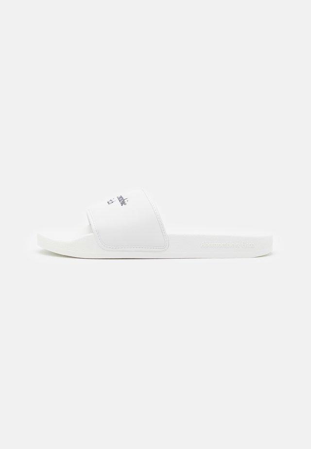 SLIDES  - Sandalias planas - white