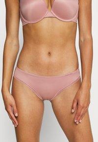 Calvin Klein Underwear - LIQUID TOUCH - Underbukse - alluring blush - 0