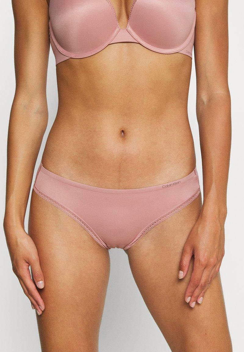 Calvin Klein Underwear - LIQUID TOUCH - Underbukse - alluring blush