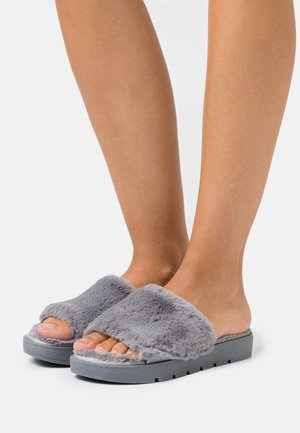 WIDE FIT ATHENA - Kapcie - grey