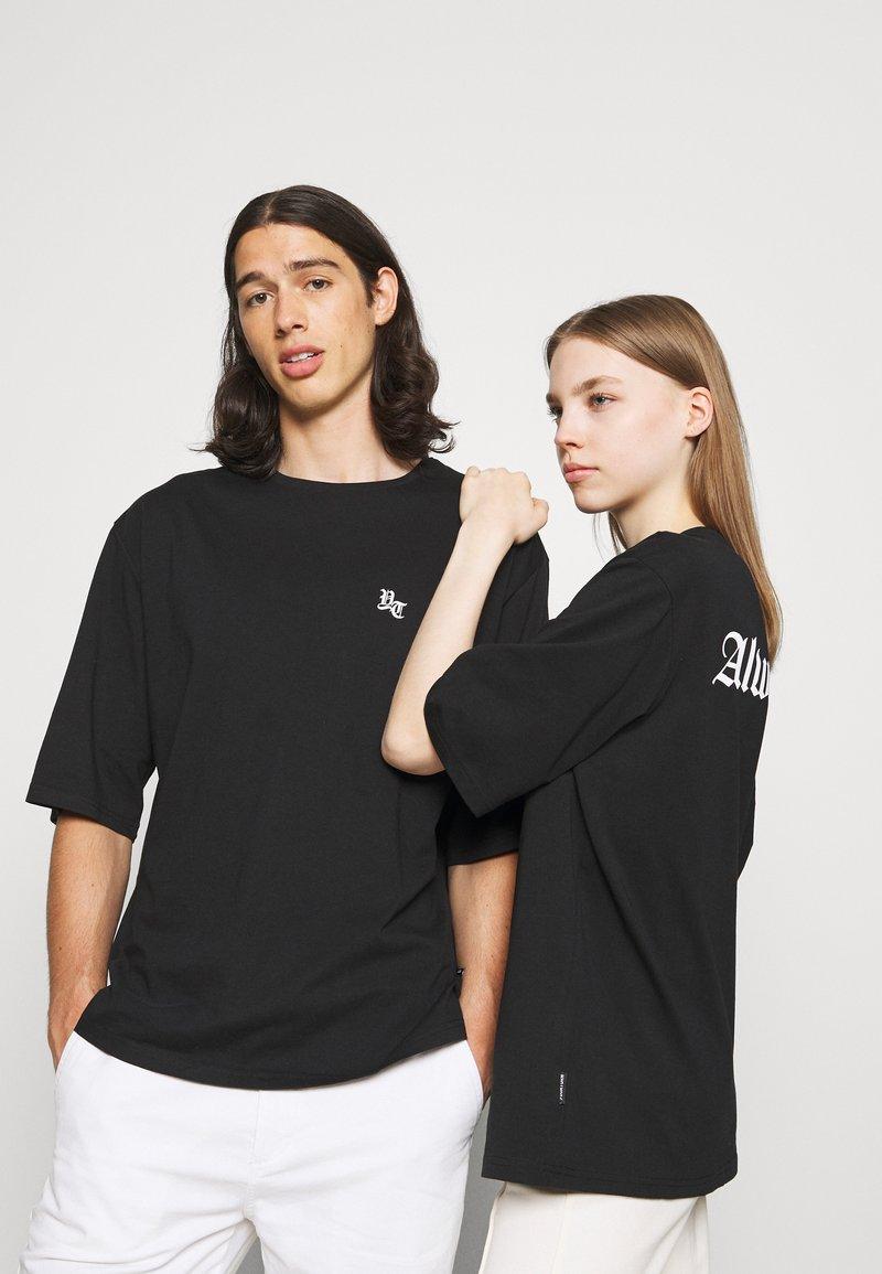 YOURTURN - UNISEX - T-shirt imprimé - black
