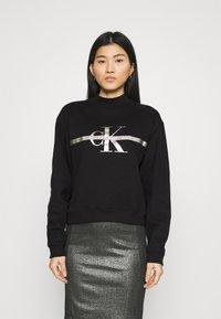 Calvin Klein Jeans - MONOGRAM  - Sweatshirt - black - 0