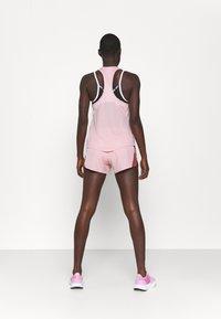 Nike Performance - MILER TANK RACER - Funktionsshirt - pink glaze/silver - 2