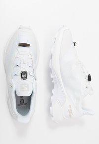 Salomon - SUPERCROSS - Obuwie do biegania Szlak - white - 1