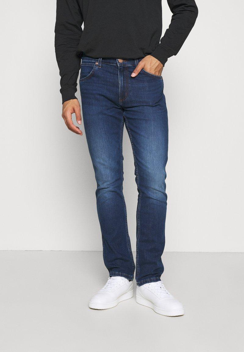 Wrangler - GREENSBORO - Jeans straight leg - cool pool