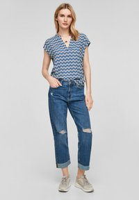 s.Oliver - Blouse - faded blue zic zac stripes - 1
