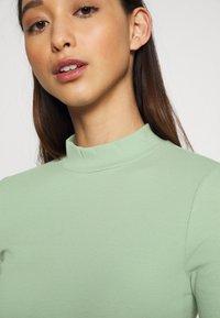 Weekday - VERA MOCKNECK - Long sleeved top - green - 5