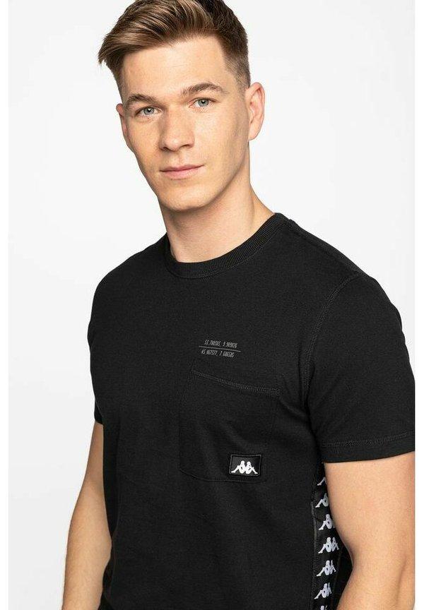 Kappa T-shirt z nadrukiem - black/czarny Odzież Męska BCDK