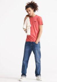 Superdry - VINTAGE CREW - Basic T-shirt - volcanic orange space dye - 1