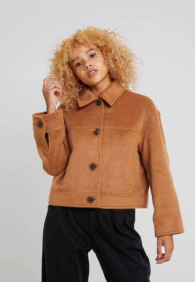 TRUCKER - Winter jacket - tan