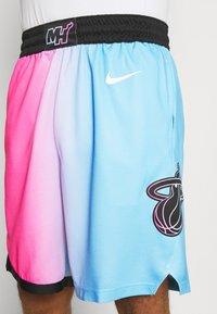 Nike Performance - NBA MIAMI HEAT CITY EDITION SWINGMAN - Sports shorts - laser fuchsia/blue gale/black - 5