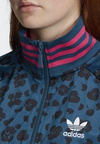 adidas Originals - ALLOVER PRINT TRACK TOP - Träningsjacka - blue - 3