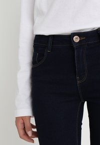ONLY - ONLDAISY PUSHUP - Jeans Skinny Fit - dark blue denim - 6