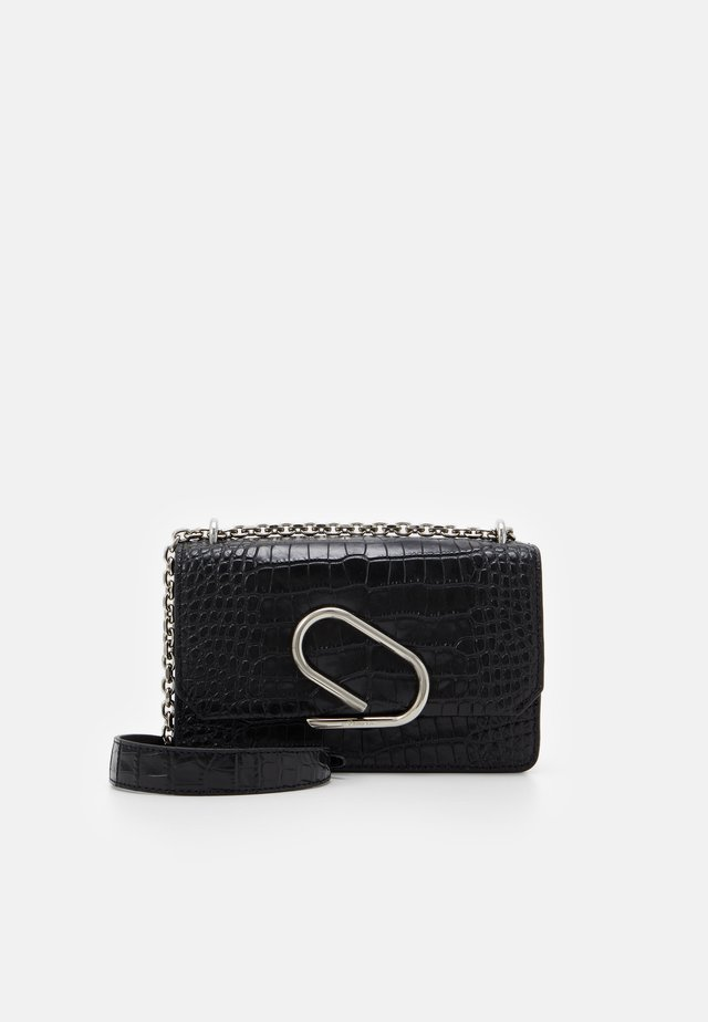 ALIX CHAIN CLUTCH - Skuldertasker - black