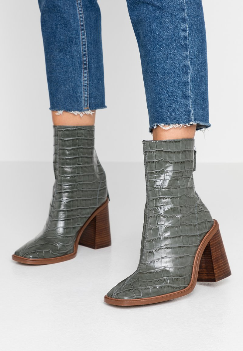 Topshop - HERTFORD BOOT - High heeled ankle boots - khaki