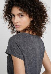 CLOSED - T-Shirt basic - dark grey melange - 4