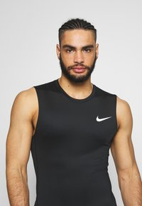 Nike Performance - M NP TOP SL TIGHT - Camiseta de deporte - black /white - 3