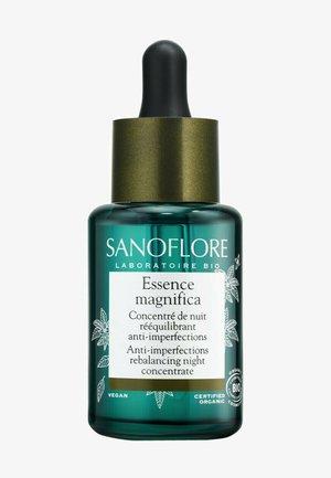 FACE CARE CARING ESSENCE MAGNIFICA - Face oil - -