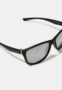 Esprit - SONNENBRILLE AUS LEICHTEM KUNSTSTOFF - Sunglasses - black - 3