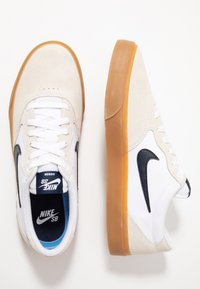 Nike SB - NIKE CHRON - Sneakers - white/light brown/black/photo blue/hyper pink - 1