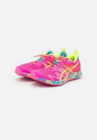 ASICS - GEL-NOOSA TRI 12 - Scarpe running da competizione - pink glo/safety yellow - 1