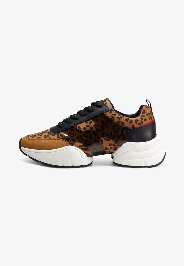 CAGED RUNNER-WILD - Sneakers laag - tan