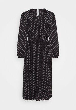 NIKI - Maxi dress - black