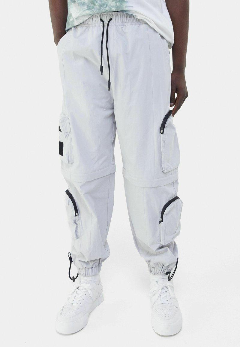 Bershka - Teplákové kalhoty - grey