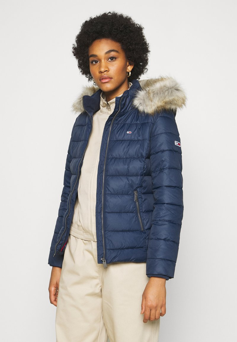 Tommy Jeans - ESSENTIAL HOODED - Zimní bunda - twilight navy