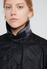 Barbour - BEADNELL WAX JACKET - Light jacket - black - 4