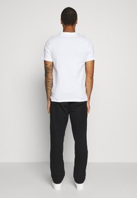 Nike Sportswear - TEE FESTIVAL - Camiseta estampada - white - 2