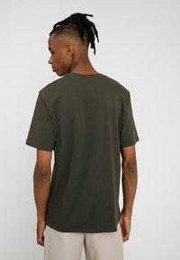 Carhartt WIP - POCKET - T-shirt basique - cypress - 2