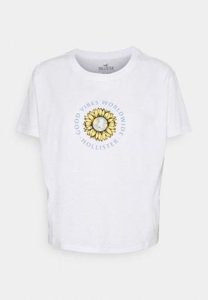 GRAPHIC EARTH DAY TEE - Camiseta estampada - white