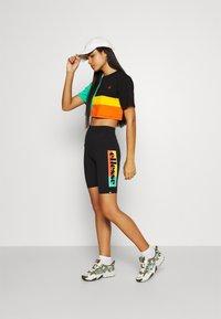 Ellesse - VALLEI - Shorts - black - 1