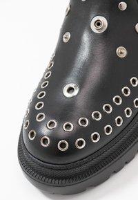 McQ Alexander McQueen - TRYB BOOT - Cowboy/biker ankle boot - black - 2