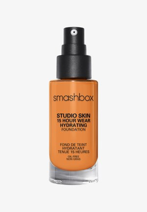 STUDIO SKIN 15 HOUR WEARHYDRATING FOUNDATION - Foundation - 4