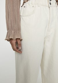 PULL&BEAR - Jeans a sigaretta - sand - 3