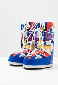 Moon Boot - BOY ABSTRACT - Bottes de neige - blue/yellow - 3
