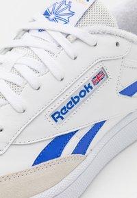 Reebok Classic - CLUB C REVENGE UNISEX - Sneakers basse - white/court blue - 5