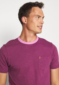 Farah - GROOVE TEE - Basic T-shirt - hippie purple - 3