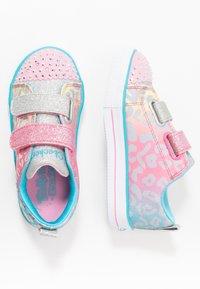 Skechers - SHUFFLE LITE - Tenisky - pink/multicolor/silver - 0