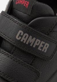 Camper - PURSUIT KIDS - Tenisky - black - 2