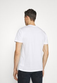 GAP - LOGO DISTRESS - Print T-shirt - white - 2