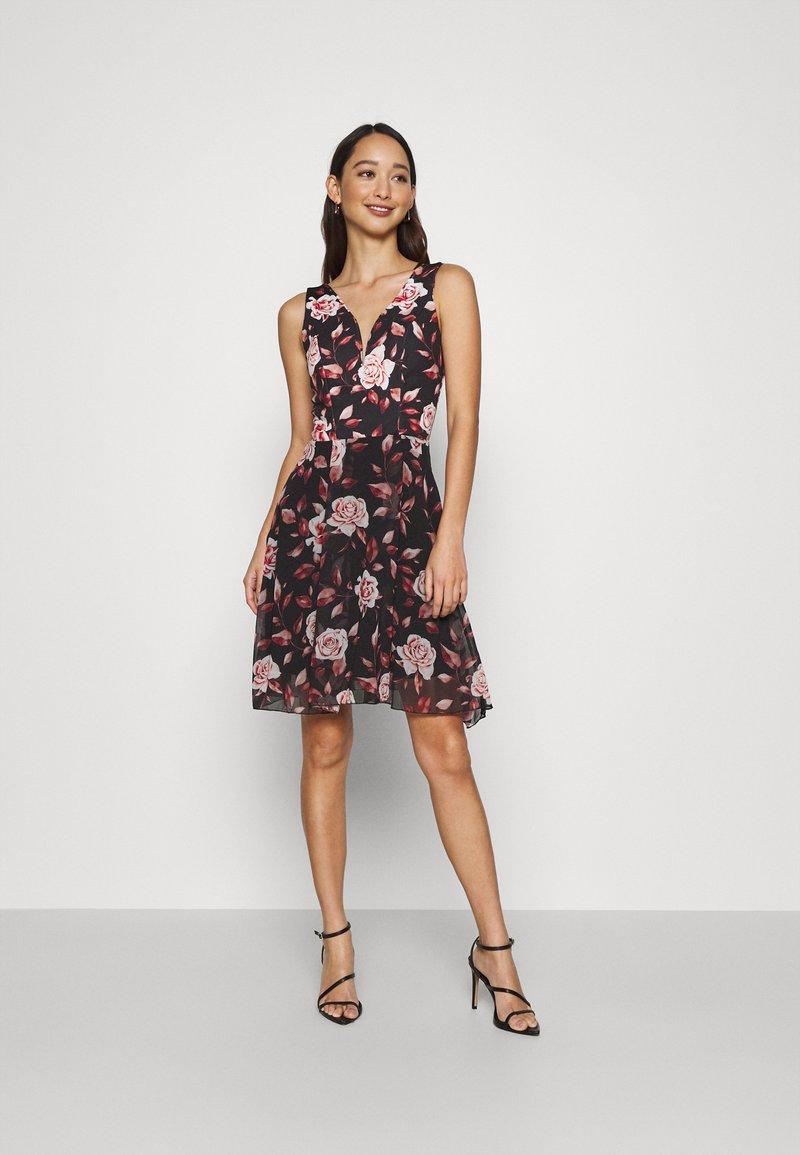 WAL G. - ISABELLE V NECK DRESS - Day dress - floral