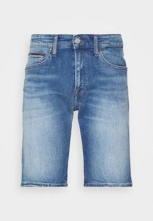SCANTON - Szorty jeansowe - court mid