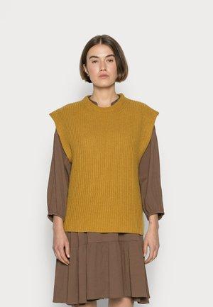 EVELYN - Basic T-shirt - golden beige