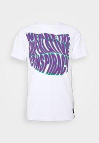 WeSC - MASON WARP CONSPIRACY - T-shirt imprimé - white - 3