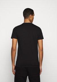 PS Paul Smith - MENS SLIM FIT SASQUATCH - Print T-shirt - black - 2