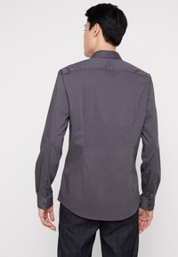 CELIO - MASANTAL SLIM FIT - Formal shirt - charcoal - 2