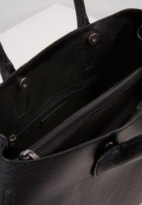 Matt & Nat - KRISTA - Handbag - black - 4